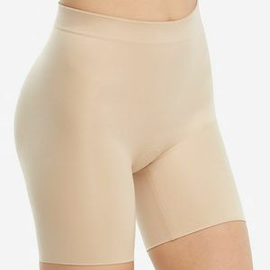 Spanx Suit Your Fancy Booty Booster Mid-Thigh, S